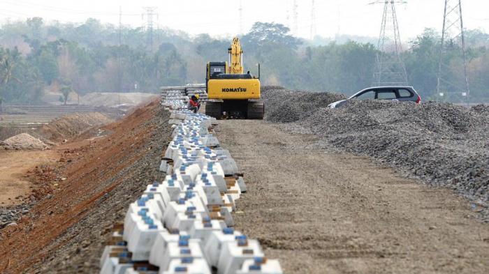 Menggenjot Pembangunan Jalan Kereta Api Trans Kalimantan
