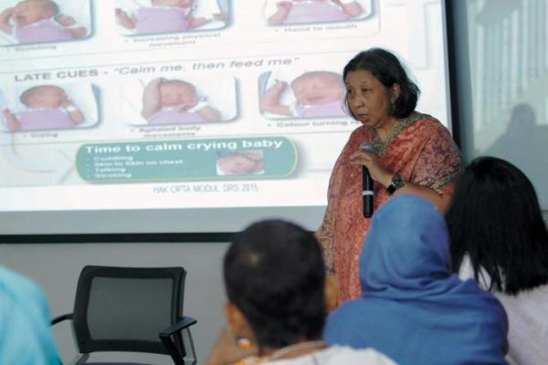 Ahli Penyakit Nutrisi dan Metabolik Anak