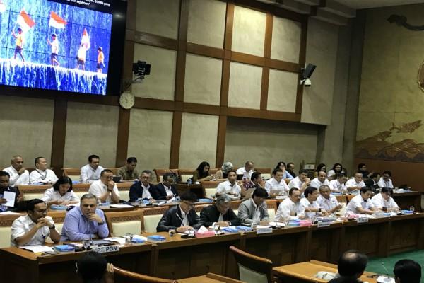 Kementerian BUMN Dihujani Interupsi Terkait Holding BUMN dalam RDP Komisi VI