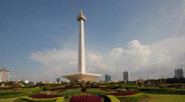 Pemprov DKI Menyerah dan Batalkan Tarawih Akbar di Monas
