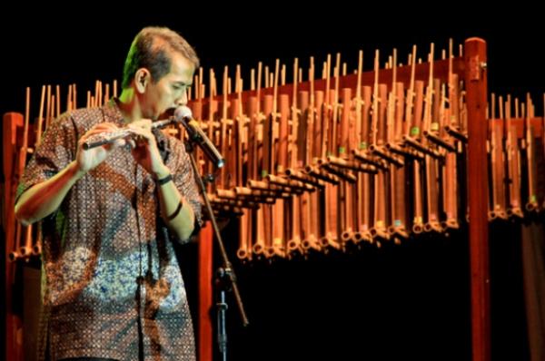 Musikus Andal Pengurus Haji dan Umrah
