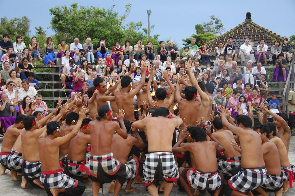 Puspayoga: Pertumbuhan Pariwisata Harus Menjaga Kearifan Lokal