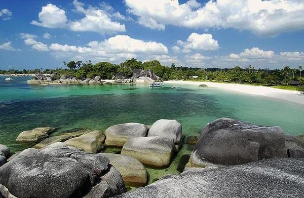 Lima Destinasi di Belitung yang Wajib Dikunjungi