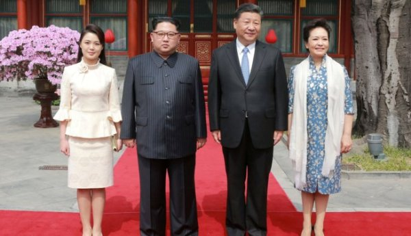 Tampil Cantik Saat Kunjungan ke Beijing, Istri Jong-un Disebut Mirip Artis Korsel