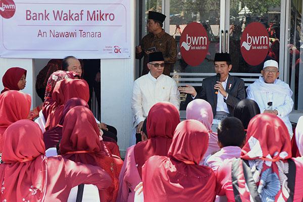 Presiden Jokowi Berharap Bank Wakaf Mikro Ada di Seluruh Pesantren