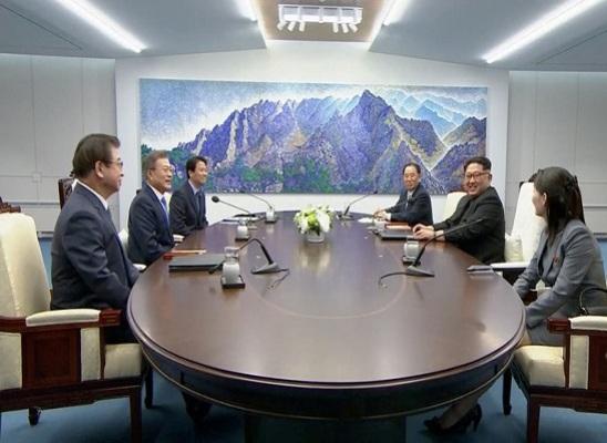 Hadiri KTT, Kim Jong-un dan Moon Jae-in Bawa Orang-orang Kepercayaan