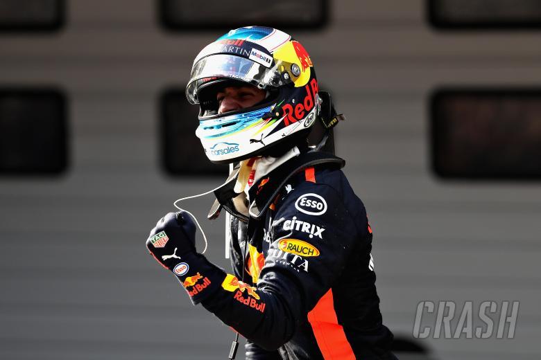 Daniel Ricciardo Menangi GP China, Verstappen dan Vettel Senggolan