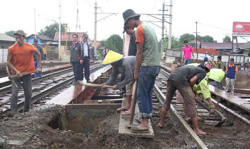 Pembangunan Jalur Ganda KA Bogor-Sukabumi Serap 1.420 Tenaga Kerja