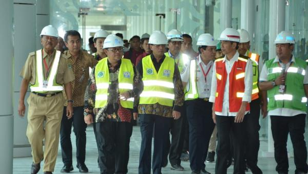 Tinjau Bandara Kertajati, Presiden Jokowi: Mei Kita Soft Launching