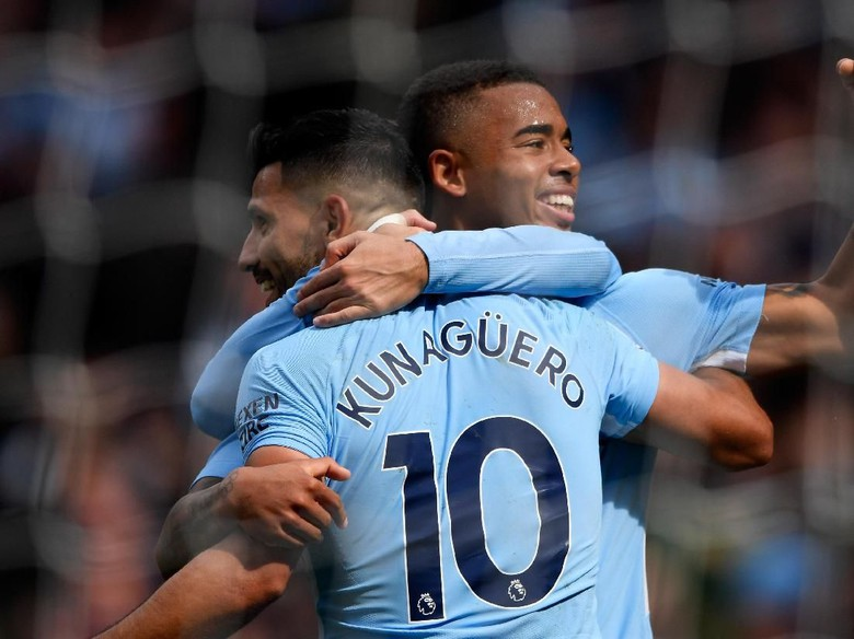Manchester City Juara Premier League 2017/2018