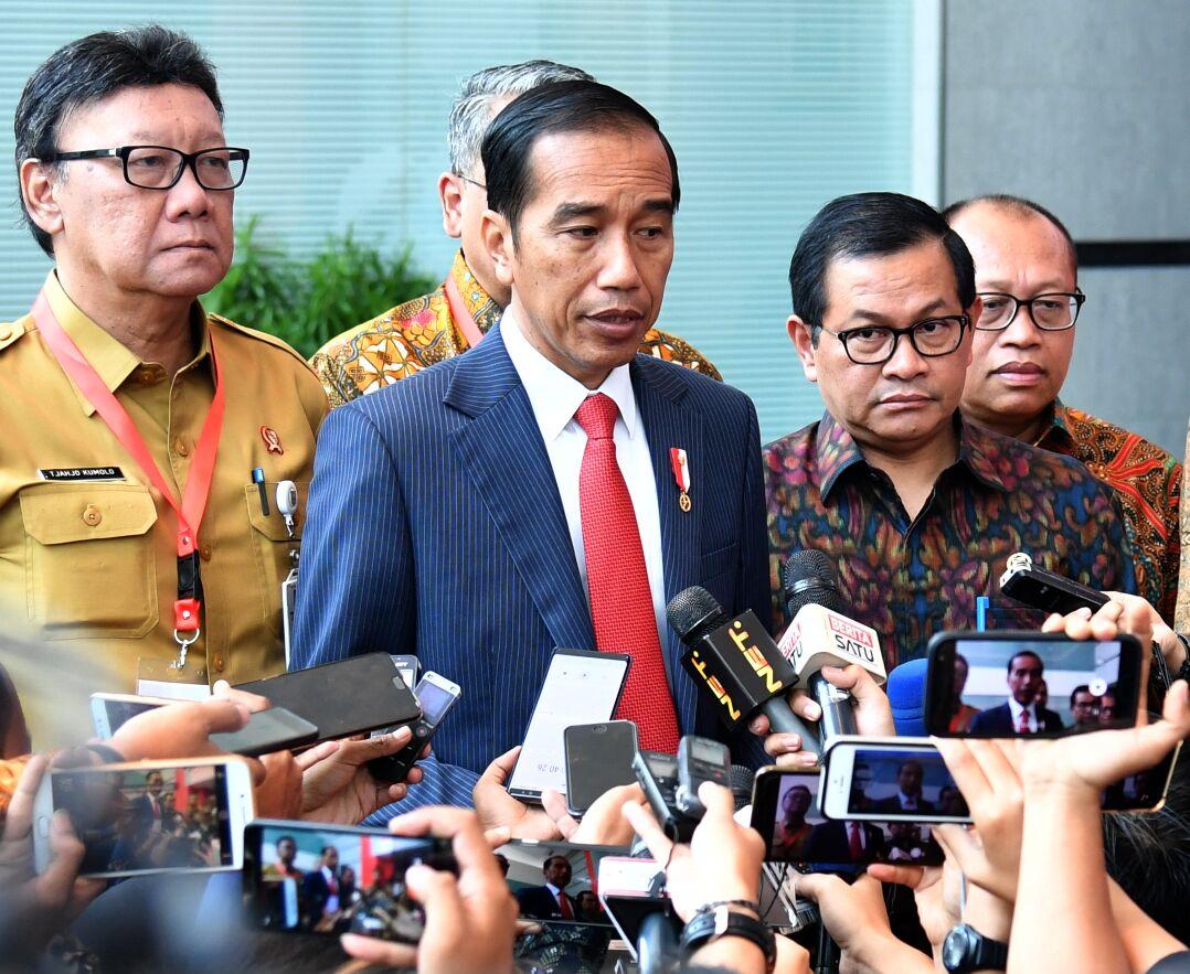 Jokowi : Kita Akan Lawan dan Basmi Terorisme Sampai ke Akar-akarnya