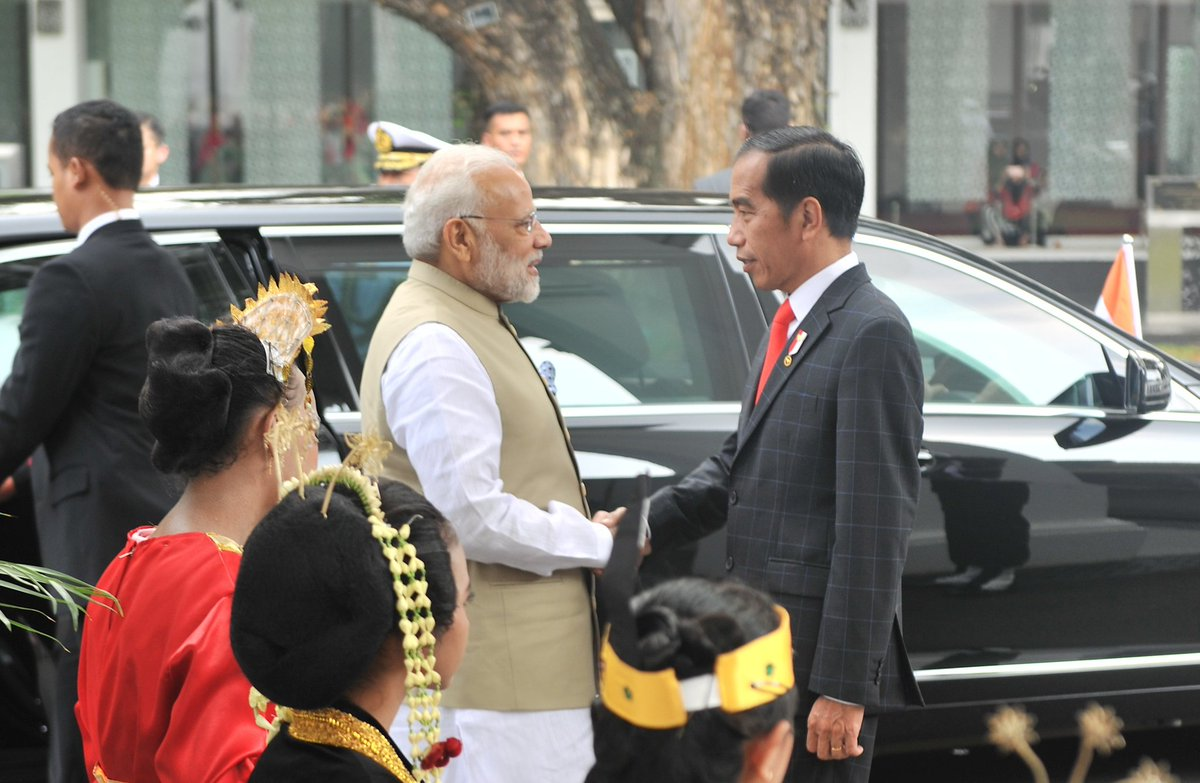 Presiden Sambut Kunjungan PM India H.E. Mr. Narendra Modi di Istana Merdeka