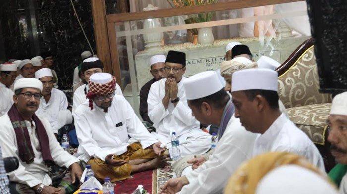 Di Masa Tenang, Gus Ipul Mendapatkan Doa dari Ulama Arab Saudi