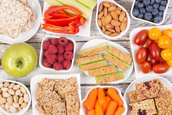 Lapar Saat Bekerja, Makan Camilan Sehat Ini
