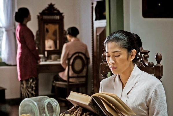 Dian Sastrowardoyo dalam Film Kartini ikut Festival Film Asia Pasifik