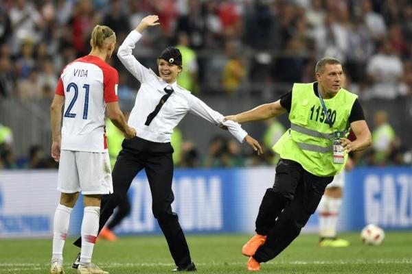 Terungkap, Pussy Riot Mengaku Masuk Ke Lapangan di Final Piala Dunia