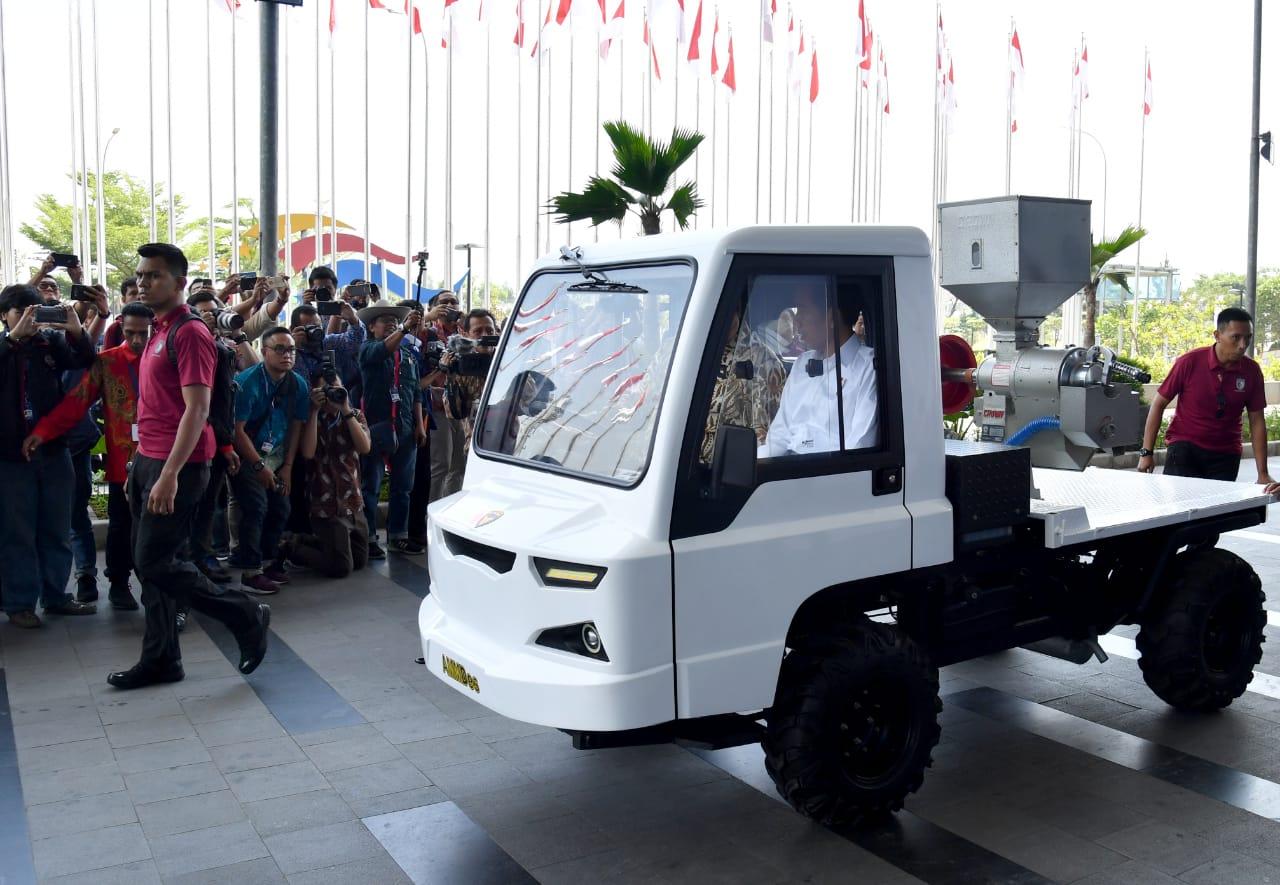 Antusiasme Presiden dan Masyarakat Menyambut Industri Otomotif Nasional