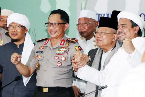 Ketum PA 212 Prediksi Rizieq Shihab Merapat ke Jokowi