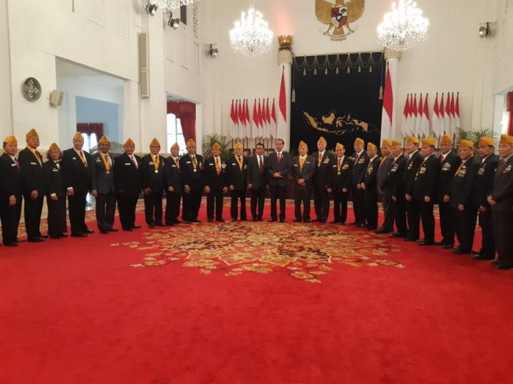 Usai Mendaftar di KPU, Presiden Langsung Bekerja