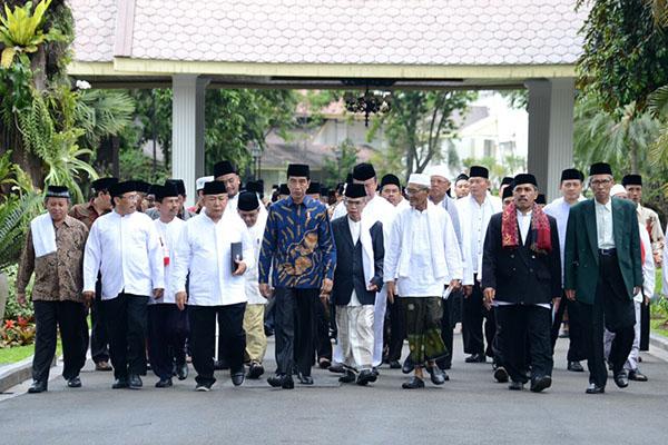 Dituduh Tidak Pro Islam, Presiden Jokowi Sebut Hari Santri dan Kunjungi Pesantren