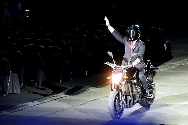 Buka Asian Games 2018, Presiden Jokowi Naik Motor ke Stadion Utama GBK