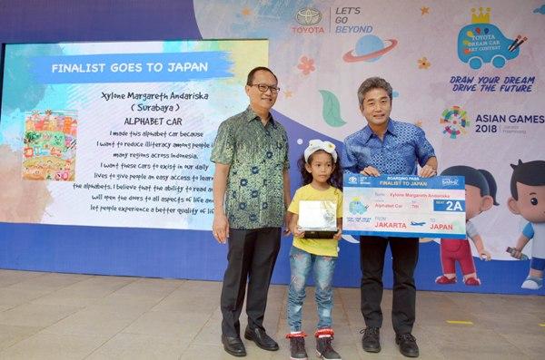 Gadis 7 Tahun Penggambar Mobil Alfabet Asal Surabaya Juara Lomba Internasional