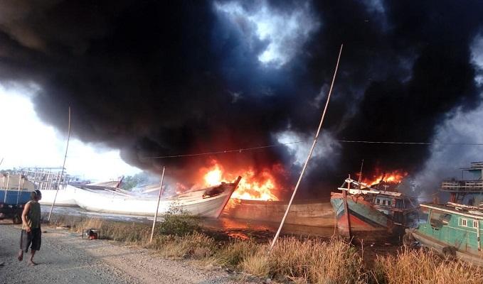 DPR Minta Pemerintah Melakukan Mitigasi Bencana Kapal Terbakar