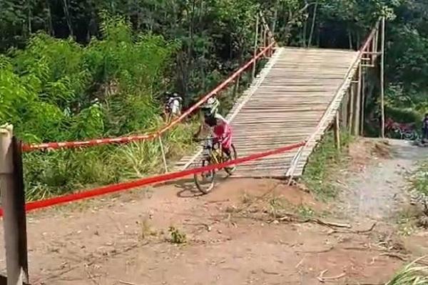 Indonesia Kembali Tambah Raihan 2 Medali Emas Melalui Downhill Putra dan Putri