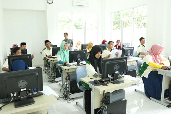 Komisi IX Apresiasi Program BLK Berbasis Pesantren di Surabaya