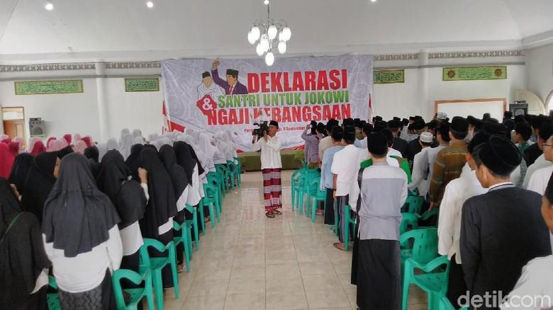 Dukungan Santri Pangandaran