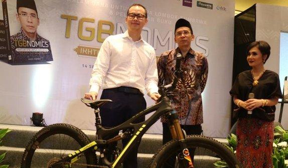 Sepeda Jokowi Laku Dilelang Rp1 Miliar untuk Korban Gempa Lombok