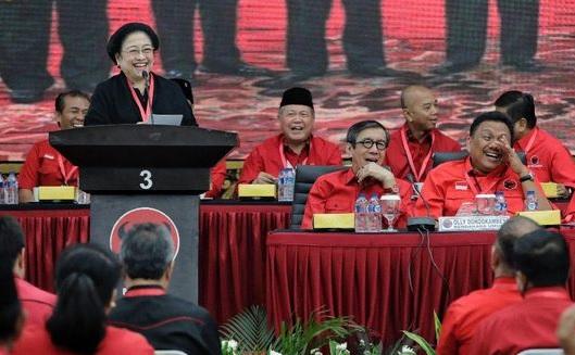 Megawati Tertawa ketika Mendengar Usulan Debat Capres dengan Bahasa Inggris