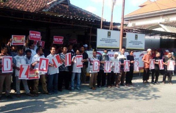 Pengurus PKS Bali Mundur massal