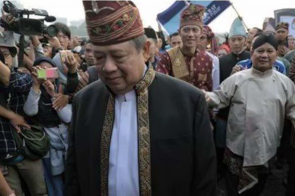 Ketum Golkar Tanggapi Aksi Walk Out SBY saat Pawai Kampanye Damai