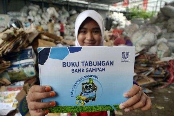 PHM Latih Masyarakat Pesisir Kukar Kelola Bank Sampah