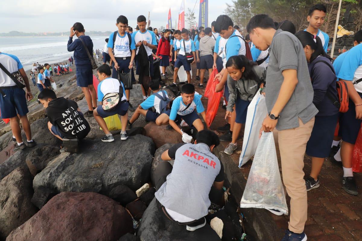Jelang OOC 2018, KKP Gelar International Coastal Cleanup di Bali