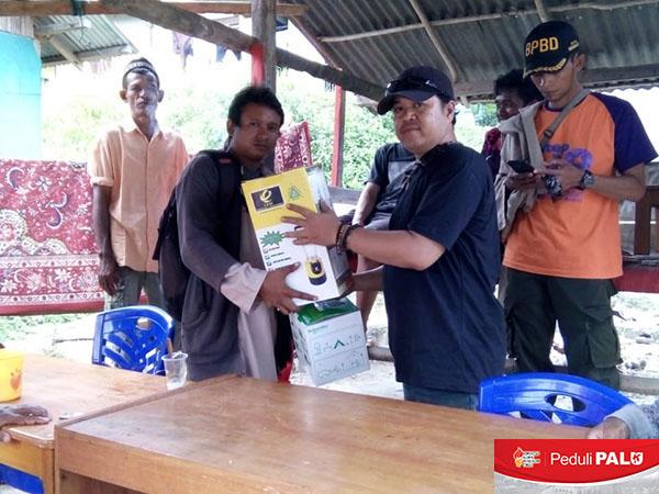 Penyaluran dan Sosialisasi Lampu Penerangan Air Garam/Laut dan PLTS Portable Mendapat Respon Positif Warga Pengungsian