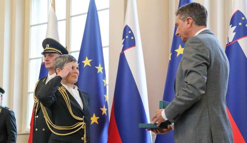 Alenka Ermenc, Kepala Angkatan Darat Wanita Pertama Slovenia