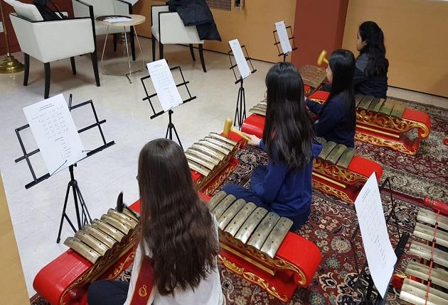 Siswa Sekolah Dasar Korea Selatan Pelajari Gamelan di KBRI