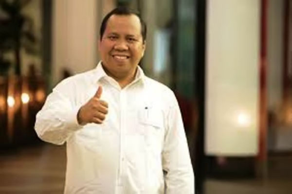 Membelot ke Kubu Jokowi, Ketua PAN Riau Diminta Taubat atau Mundur