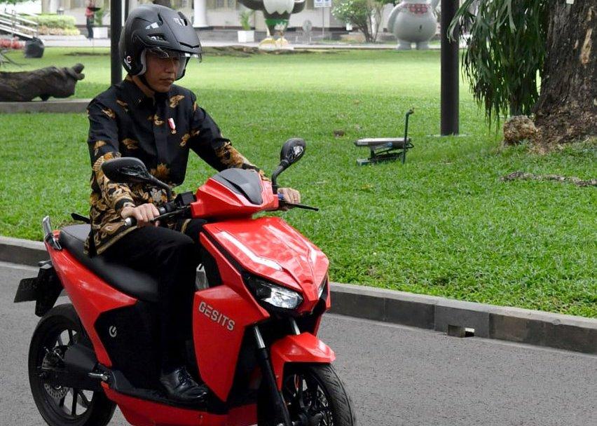 Foto-foto: Jokowi dan Gesits, Motor Listrik Nasional Karya Anak Bangsa