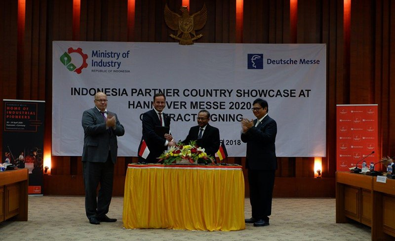 Penandatanganan kerja sama official country partner pameran Hannover Messe
