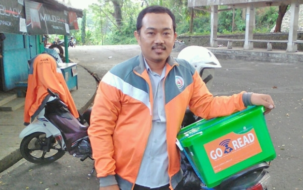 Penggerak Literasi dengan Aplikasi dan Taman Baca di Malang