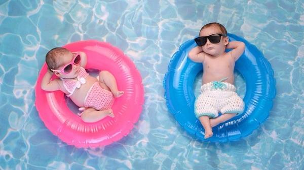 Cara Melatih Anak Berenang yang Menyenangkan