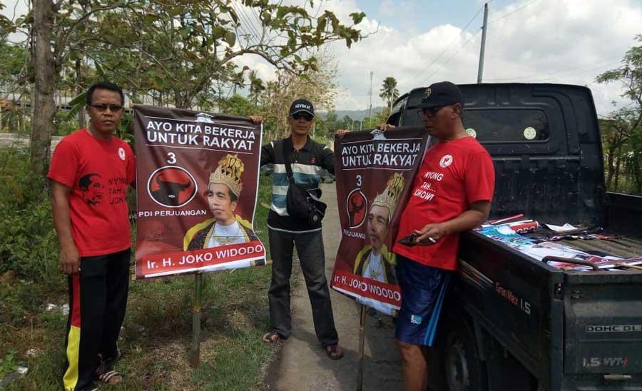 PDIP: Pemasang Poster Jokowi Bermahkota Berasal dari Anti-Jokowi