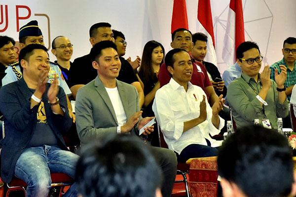 Presiden Joko Widodo menghadiri peresmian Pembukaan Digital Startup Connect 2018 di Kartika Expo, Balai Kartini, Jakarta Selatan, pada Jumat, 7 Desember 2018. Acara yang diikuti sekitar 2.000 peserta dari kalangan muda dan disponsori BTN itu merupakan kegiatan bagi perkembangan ekosistem