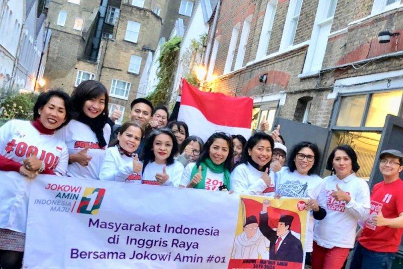 Naik Bus Keliling Kota London, WNI Kampanyekan Jokowi-Ma'ruf Amin