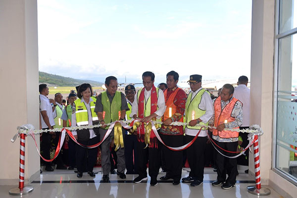 Presiden Resmikan Bandara Baru di Morowali dan Empat Terminal Bandara di Sulawesi