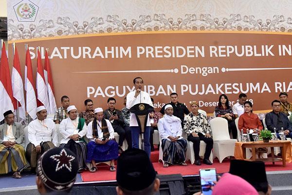 Presiden Ingatkan Pentingnya Hormati Kearifan Lokal Saat Bertemu Pujakesuma