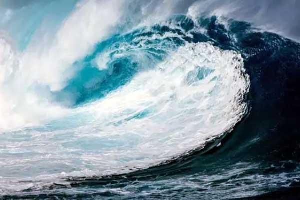 ilustrasi hoaks tsunami meresahkan warga sibolga dan tapanuli tengah